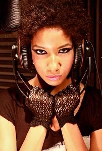 Singer Eva Natal