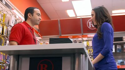 Radio Shack Spanish language TV ad