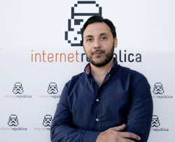 Podcast with Ismael El-Qudsi, CEO, Internet Republic, about turning employees into brand ambassadors - Hispanic Marketing & Public Relations website and podcast